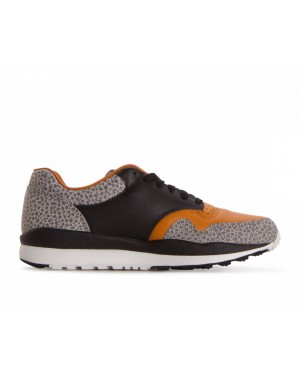 AO3295-001 Nike Air Safari Qs Retro - Zwart/Zwart/Monarch/Cobblestone