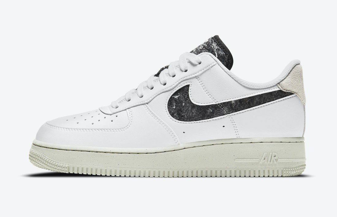 DA6682-100 Nike Dames Air Force 1 '07 SE - Wit/Wit-Light Bone-Zwart