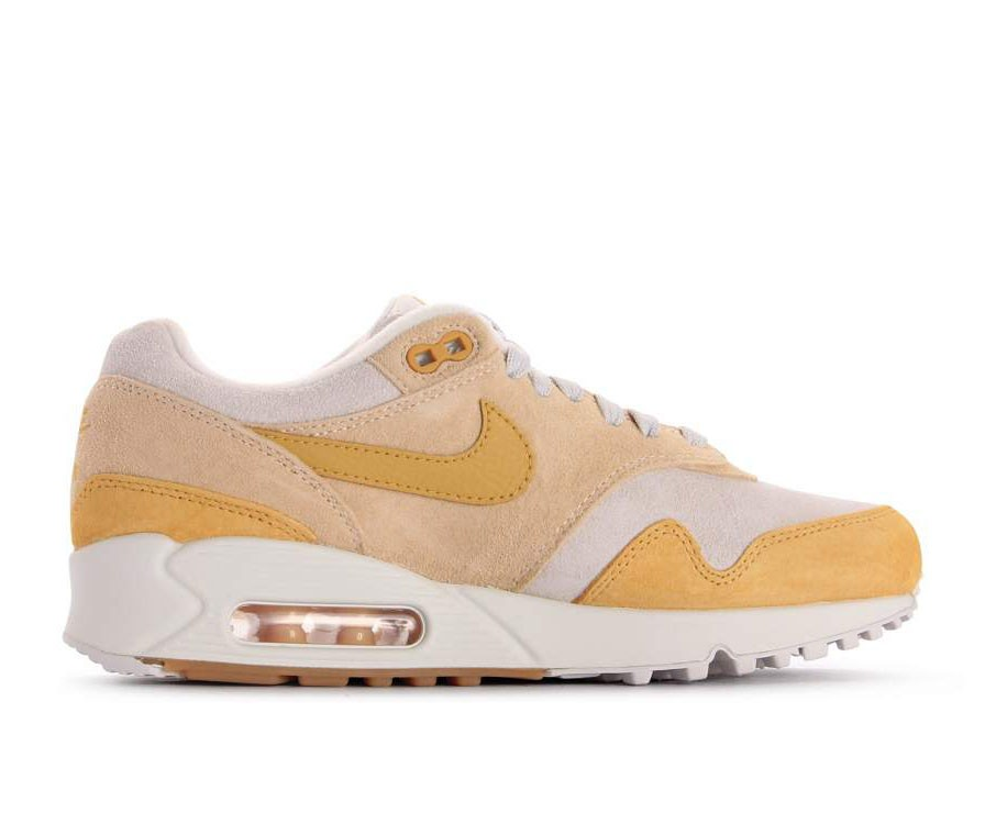 AQ1273-800 Nike Dames Air Max 90/1 - Guava Ice/Wheat-Goud-Wit