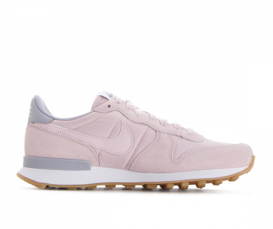 828407-612 Nike Dames Internationalist - Barely Rose/Barely Rose/Grijs/Wit