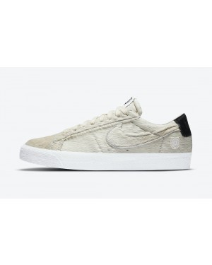 CZ4620-200 Medicom Toy x Nike SB Blazer Low - Light Cream/Zwart-Light Cream