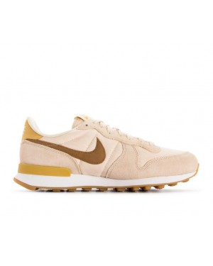 nike internationalist heren beige