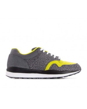 AO3298-001 Nike Air Safari SE - Grijs/Wit-Bright Cactus-Zwart